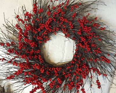 gallery-berry-twig-wreath